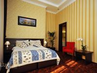 Central Park Hotel - Standard Double or Twin Room