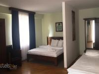 Hale Kai Hotel - Basic Triple Room with Shared Bathroom