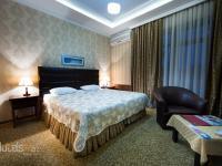 Premier Hotel - Deluxe Double Room