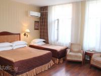 Шеки Палас Отель - Трехместный номер с основными удобствами