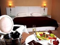 Amber Hotel - Triple Room