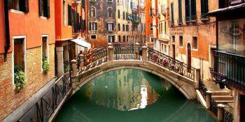 Venesiyaya gələnlər vergi ödəyəcəyək