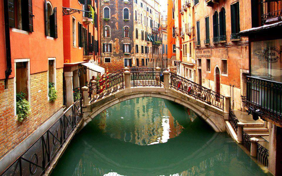 Venice introduces an entry tax
