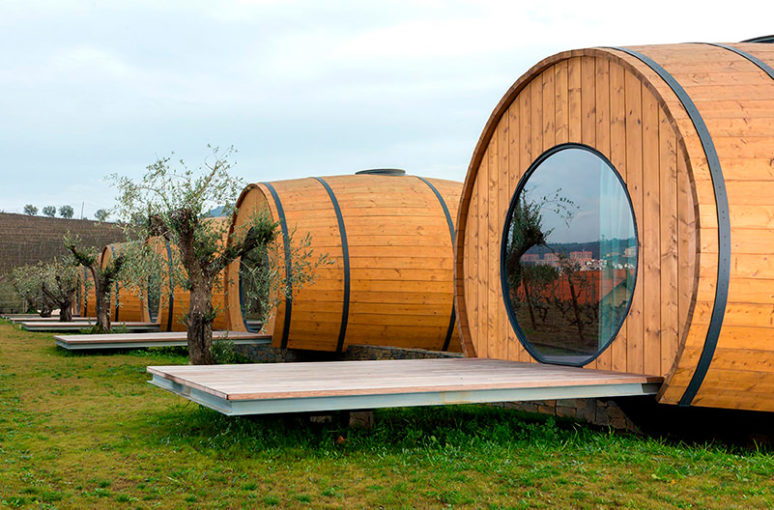 Hotel opened in Portugal in wine barrels