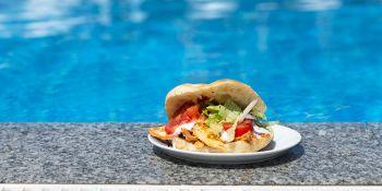 Türkiyə hotelləri turistlərdən daha az yemək götürməyi xahiş edir – Narıncı bayraq