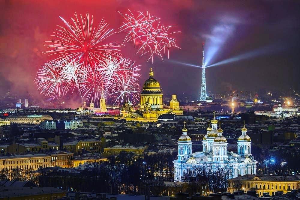 Sankt-Peterburqda Yeni İl bayramı – QİYMƏTLƏR