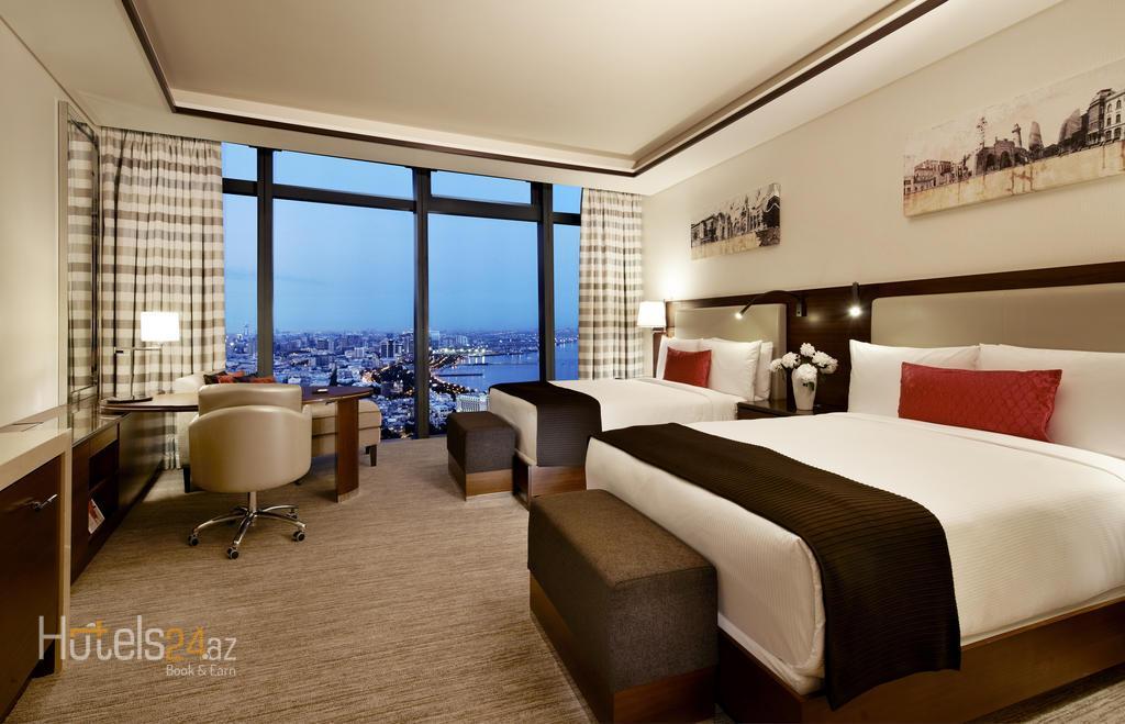 гостиница Fairmont Baku, Flame Towers - Двухместный номер «Фэрмонт» с 2 отдельными кроватями и видом на город