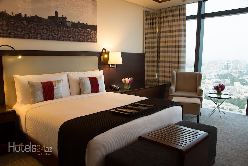 гостиница Fairmont Baku, Flame Towers - Номер Fairmont Gold с видом на Каспийское море