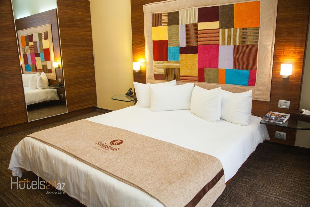 Гостиница Landmark - Двухместный номер Делюкс с 1 кроватью, видом на море и правом посещения Представительского клуба.