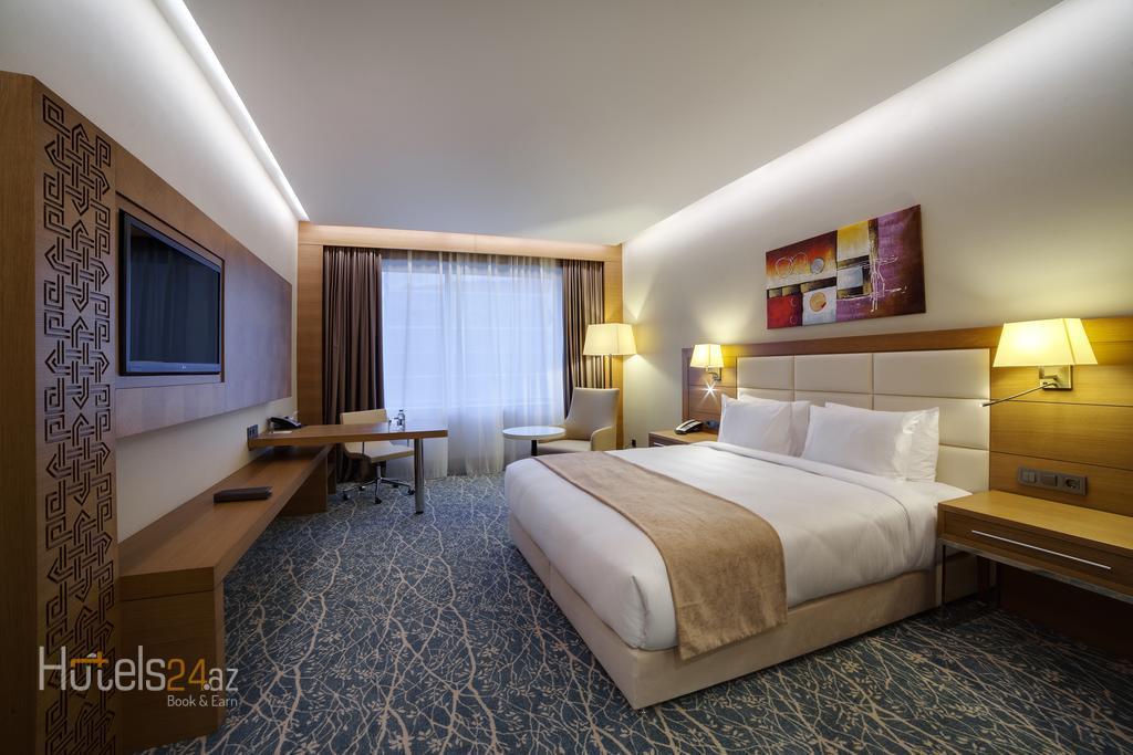 Гостиница Holiday Inn Баку - Номер с кроватью размера «king-size», боковой вид на море - Для некурящих