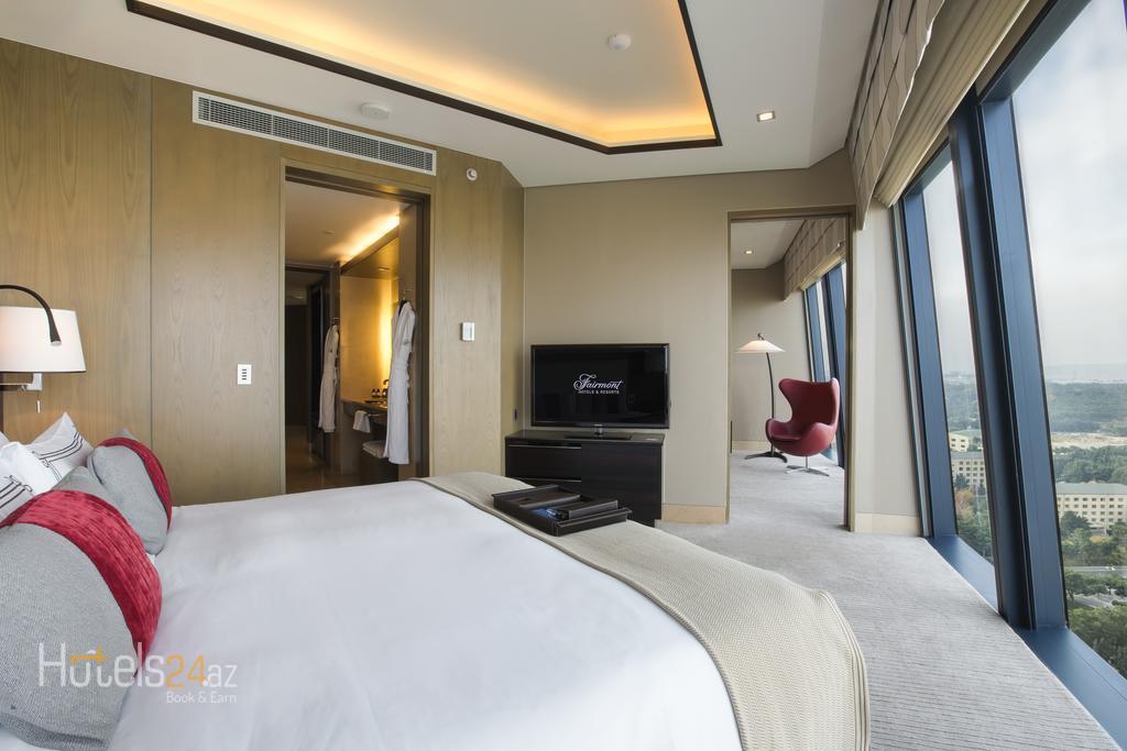 гостиница Fairmont Baku, Flame Towers - Люкс «Фейрмонт Голд» с видом на Каспийское море