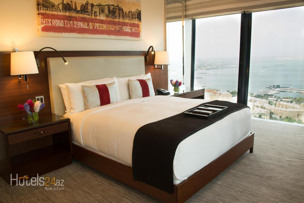 гостиница Fairmont Baku, Flame Towers - Номер Fairmont Gold Signature с видом на Каспийское море