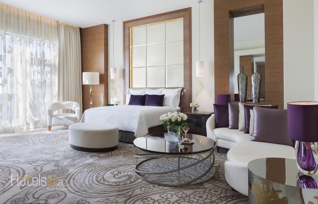 Гостиница JW Marriott Absheron - Представительский номер «Премьер» с доступом на Клубный этаж