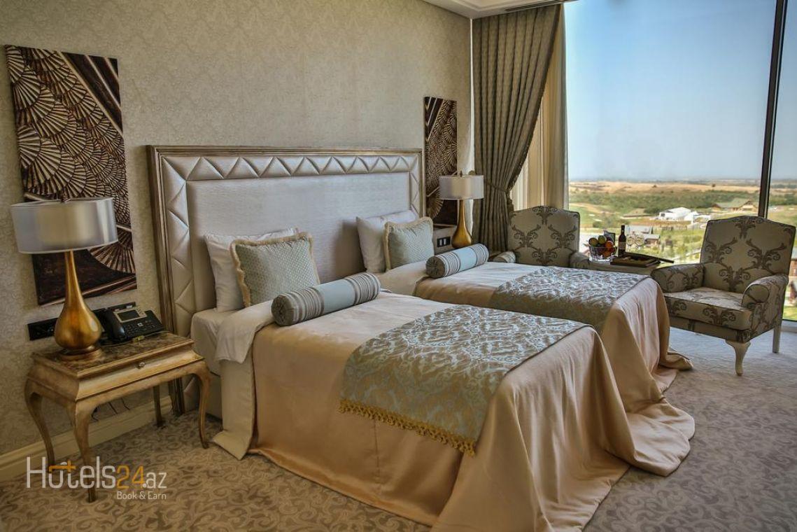 Двухместный номер Делюкс с 1 кроватью или 2 отдельными кроватями и видом на озеро