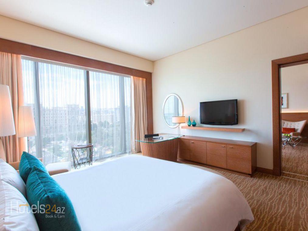 Представительский люкс с 1 спальней, кроватью размера «king-size», доступом в представительский лаундж и видом на море