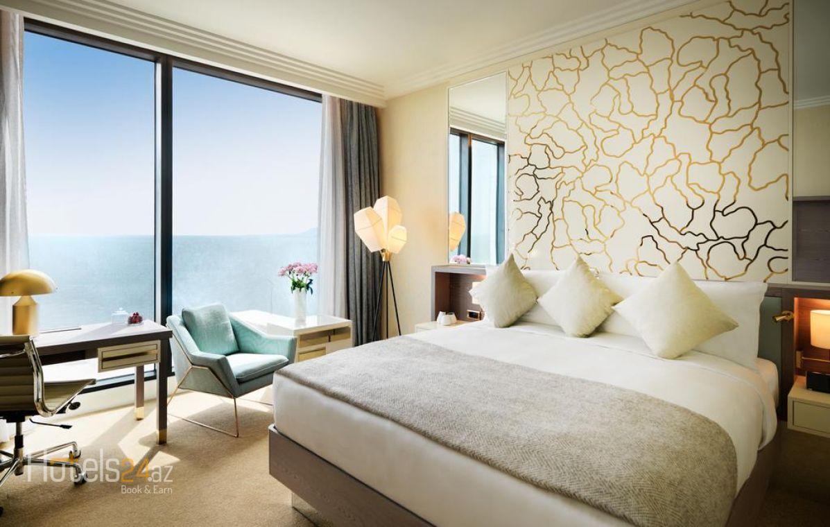 Клубный номер с кроватью размера «king-size» с видом на море